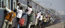 अब रेल में खूब चलेगा मोबाइल