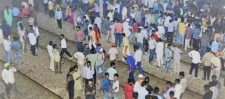 अमृतसर ट्रेन हादसा: मौत की ट्रेन ने ले ली 60 से ज्यादा लोगो की जान, गलती किसकी ?